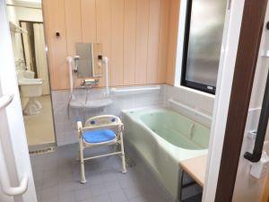 グループホーム あずま野施設 温泉気分でご入浴